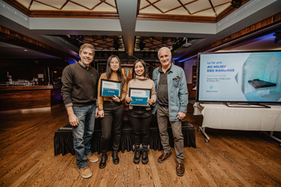 First prize: (left to right) François Bergeron of Caisse Desjardins de Charlesbourg, U2 students Cindy Duan and Arlene Chen, Ice Hotel artistic director Pierre L'Heureux (Dany Vachon)