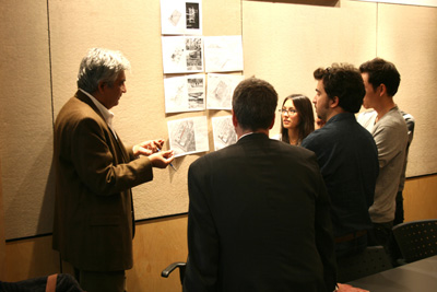 Prof. Vikram Bhatt with UDH students, October 2012 (Juan Osorio)