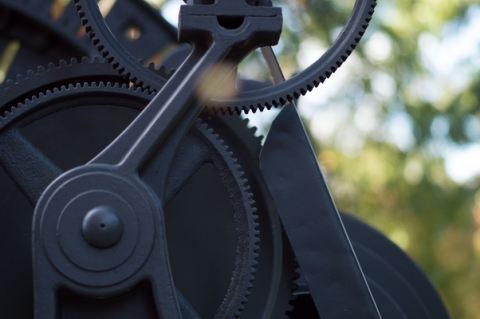 Photo of gears by Chester Alvarez
