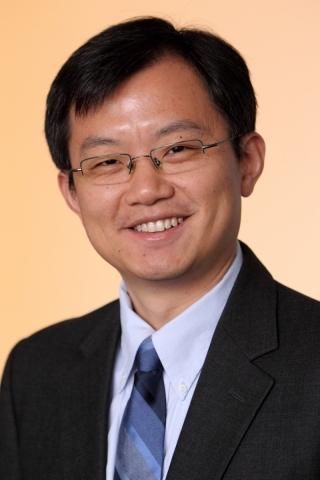 Headshot of Dr. Yu (Brandon) Xia