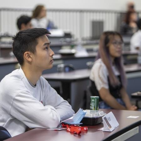 Journée d'orientation au Campus Outaouais, étudiants en médecine