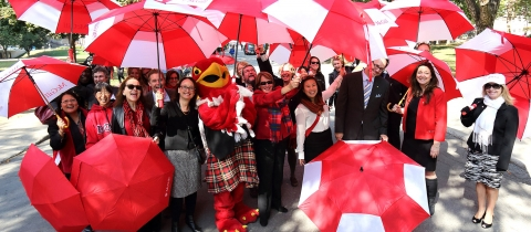 McGill Centraide Campaign participants at a March of the Umbrellas event