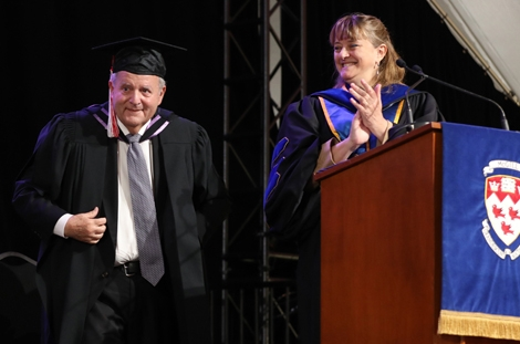 Teaching excellence celebrated at Desautels convocation
