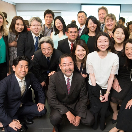 Members of the MBA Japan class of 2017 with Dean Isabelle Bajeux-Besnainou