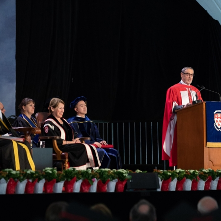 Honorary Doctorate recipient Gerald Sheff addresses the Desautels Faculty of Management's graduating class.