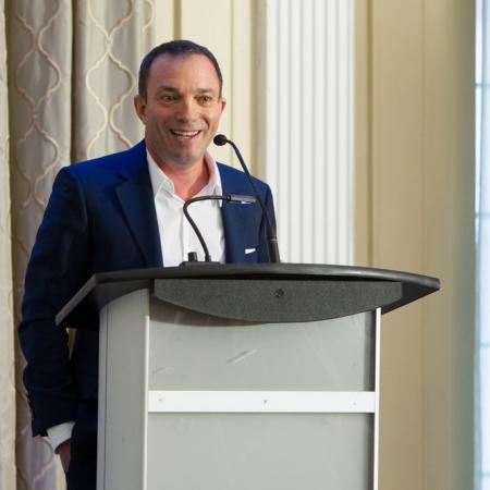 2017 Desautels Management Achievement Award recipient Mitch Garber (BA'86), CEO, Caesars Acquisition Company delivers award acceptance remarks