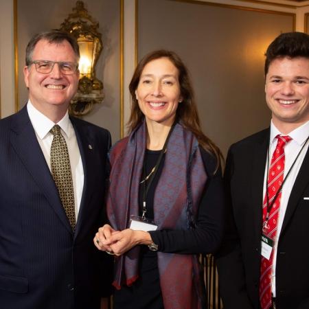 France Margaret Bélanger (EMBA'14), Executive Vice-president, Commercial and Corporate Affairs, Montréal Canadiens (Management Achievement Award)