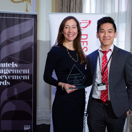 France Margaret Bélanger (EMBA'14), Executive Vice-president, Commercial and Corporate Affairs, Montréal Canadiens (Management Achievement Award), with member of DMAA organizing committee