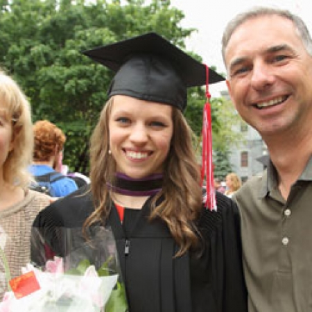 Erica Coulombe (BCom'13) (middle) and family (Photo: Owen Egan)