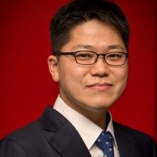 Yonghwan Lee