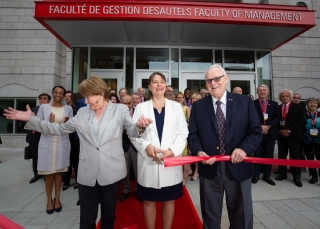 Principal and Vice-Chancellor of McGill, Suzanne Fortier, Dean of the Faculty of Management, Isabelle Bajeux, Marcel Desautels (CM, O.Ont., LLD'07), MBA Next 50 campaign donors and members of the International Advisory Board at the official opening of the Donald E. Armstrong Building on May 25, 2018.