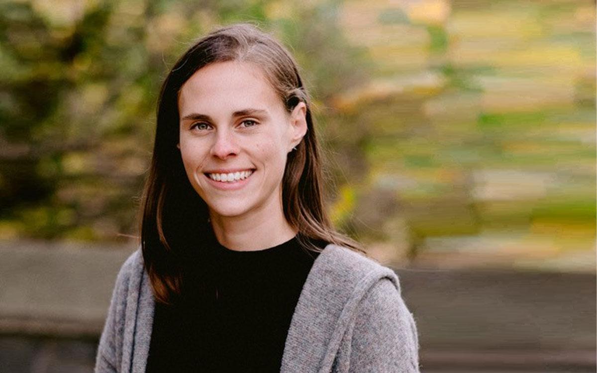 Portrait of a Prof. Caroline Wagner smiling