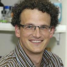 Dr. Simon Rousseau