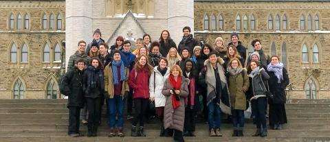 Winter 2019 Constitutional Law students visit Ottawa with Professor Poirier. / Les étudiant.e.s du cours Droit constitutionnel de l'hiver 2019 visitent Ottawa avec la professeure Poirier.