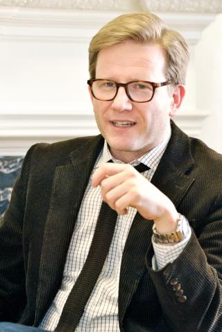 Professor Helge Dedek. Photo by Lysanne Larose.
