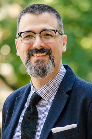 Víctor Muñiz-Fraticelli receives Mellon New Directions Fellowship