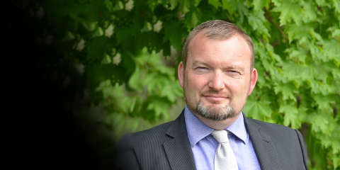 Stephane Bayen receives 2021 Agilent Thought Leader Award