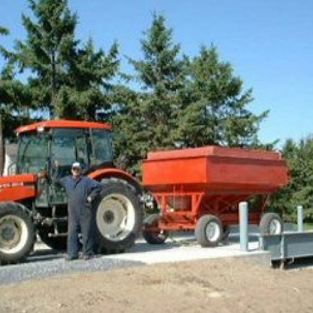 William Chabot(Agronomy technician) weighing farm produce accurately with this large capacity scale.