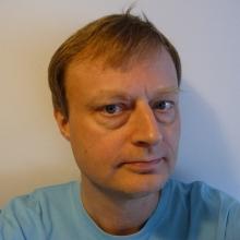 Axel W Hundemer