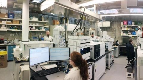 Metabolomics laboratory