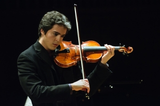 Violinist Victor Fournelle-Blain wins the string category of the  McGill Concert