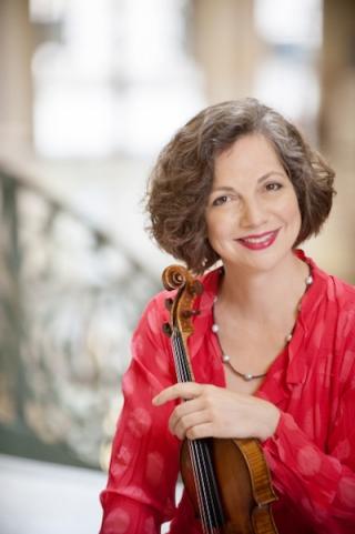 Violinist Violaine Melançon