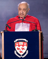 Zarin Mehta as he accepts his degree of Doctor of Music, honoris causa at McGill convocation 2018