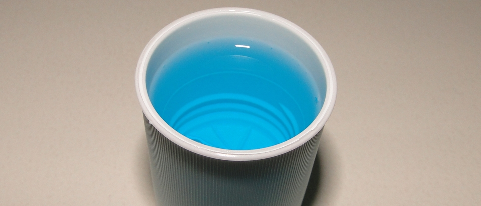 Alcohol in mouthwashes doesn't actually kill bacteria
