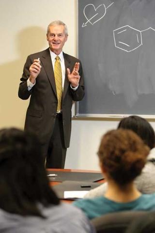 Dr. David Harpp