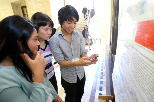 Rachel Suliono, Sheng-Ting Lin, and Daegan Sit, URC participants