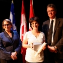 Colleen Alkalay-Houlihan (centre) with Dr. Suzanne Fortier and Dean Martin Grant