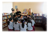 LWB-Mcgill Co-chair Xenia talks to a group of students in Guatemala