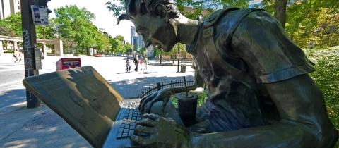 Computer statue