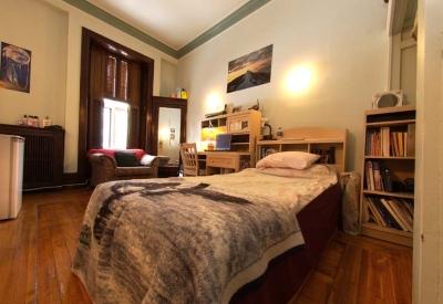 02 3505 Peel Bedroom | Student Housing - McGill University