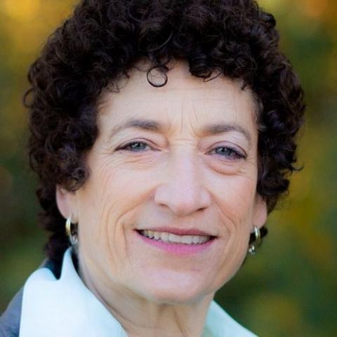 headshot of Naomi Oreskes